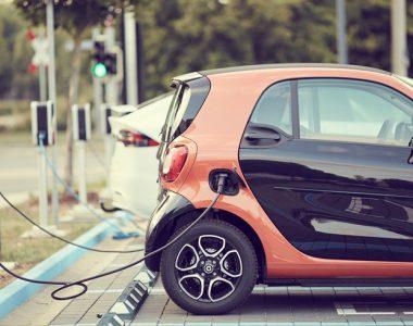 É hora de dar adeus aos combustíveis fósseis. Veículos elétricos já são realidade!