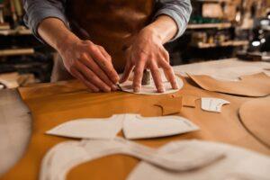As empresas devem se preocupar com a destinação das sobras de tecidos.