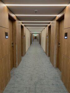foto de portas de quartos de hotel